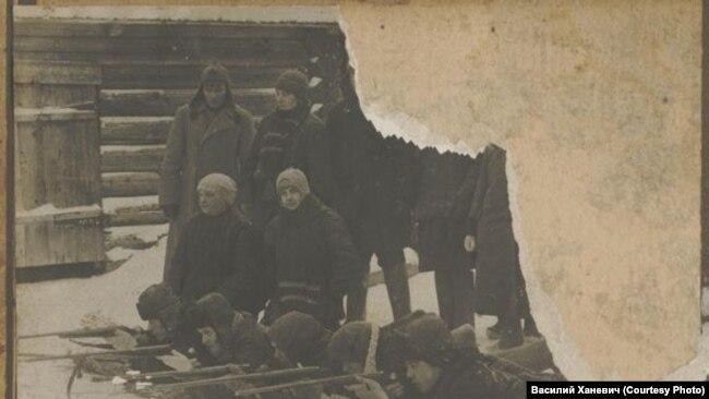 Учение по стрельбе сотрудников Нарымского ГПУ