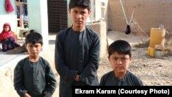 سه کودک یک خانواده که در اثر انفجار ماین در فاریاب زخمی شدند.