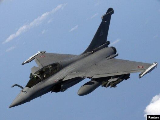 جنگنده رافائل فرانسوی که در عملیات لیبی شرکت کرده است