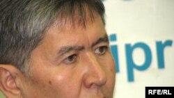 Opposition candidate Almazbek Atambaev