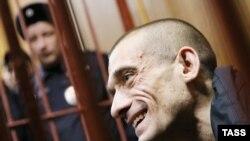 Российский художник-акционист Петр Павленский в суде Москвы. 26 февраля 2016 года.
