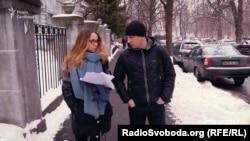 Микола Лисько каже, що всі питання стосовно майна слід адресувати його батькам