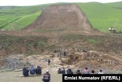 Өзгендегі жер көшкен маң. 2 мамыр 2017 жыл.