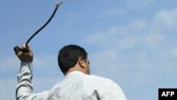 A public flogging in Iran (file photo)