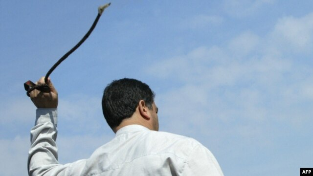 A public flogging in Iran (file photo)