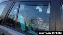 Автокресло орнатылған көлік. Алматы, 6 қаңтар 2015 жыл.