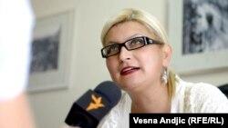 Vesna Šalović tokom razgovora sa novinarom RSE