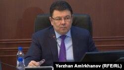 Қанат Бозымбаев, энергетика министрі. Астана, 15 қараша 2018 жыл.