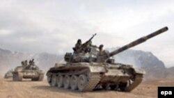 НАТО әскерімен бірлескен жаттығуларға қатысқан ауған қарулы күштерінің танклері. 16 ақпан 2006 ж.