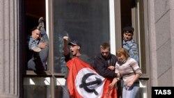 Лимоновцам Росрегистрация отказала даже в праве называться партией