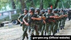Российские военные учения на Днестре