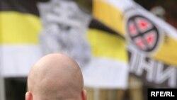 По мнению правозащитников, правоохранительные органы слишком долго закрывали глаза на нацистские выступления