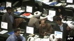 В парламенте Ирана, Тегеран, 27 апреля 2011