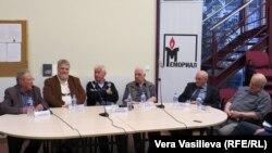 Слева направо: Сергей Ковалев, Георгий Шабат, Алексей Сосинский, Делир Лахути, Виктор Финн, Григорий Крейдлин