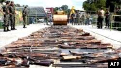 به گزارش گروه «بررسی سلاح های سبک»،۶۵۰ میلیون اسلحه سردی که در اختیار غیرنظامیان است.