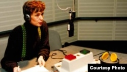 Germany - Sabina Cabaravdic, journalist and editor with the South Slavic Language Service, delivers the service's first broadcast from Munich on January 31, 1994.