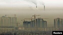 Алматыдағы жүріп жатқан құрылыстың бір көрінісі. 2 ақпан 2011 жыл