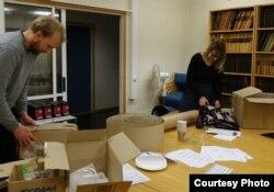 Активисты из Бергена рассылают сапатистский кофе YaBasta норвежским заказчикам