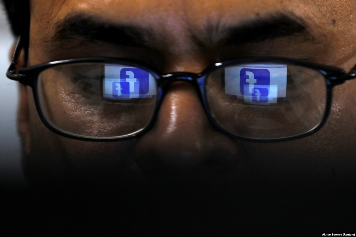 «Опора»: перед выборами на политическую рекламу в Facebook потратили 1,8 млн долларов