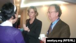 Silkroute жобасының үйлестірушісі, профессор Пиерпалло Фаджи (оң жақта). Алматы, 27 наурыз 2014 жыл.