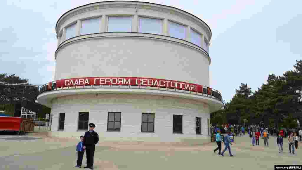 Доначала исторической реконструкции можно было посетить музей «Диорама «Штурм Сапун-горы 7 мая 1944 года»