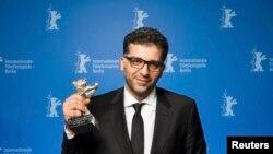دنیس تانوویچ، جایزه بزرگ هیئت داوران را برای «مرگ در سارایوو» دریافت کرد