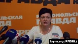 Kreml nezaretindeki Qırımnıñ tasil naziri Natalya Gonçarova, arhivden alınğan fotoresim