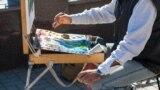 «Местные нас спасают». Как живут абхазские художники в условиях пандемии (видео)