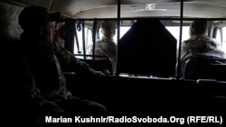 Українські військові поблизу міста Попасна, Луганська область