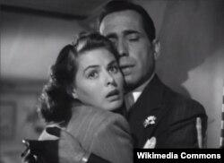 """Ingrid Bergman-ın Humphrey Bogart-la birgə çəkildiyi """"Casablanca"""" filmi."""