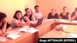 საკონსტიტუციო ცვლილებების განხილვა გორში ახალგაზრდა იურისტთა ასოციაციის წევრებთან, 2 აგვისტო, 2010 წელი