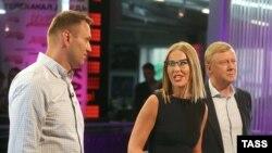 Ксения Собчак с Алексеем Навальным и Анатолием Чубайсом (архивное фото)