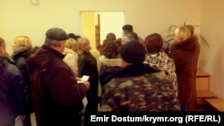 Відвідувачі клієнтської служби Центрального району Сімферополя