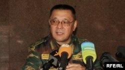 Кенешбек Душебаев во время его работы председателем ГКНБ КР, 24 июня 2010 года.