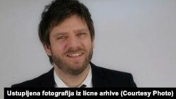 Najbolje ne slušati ništa, već samo ono što ti kažu sa vrha stranke: Viktor Marković