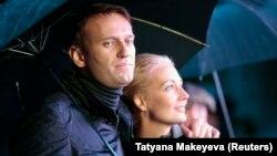 Аляксей Навальны з жонкай Юляй