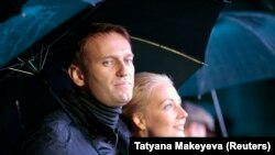 Алексей Навальний хотини Юлия билан