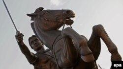Përmendorja e Aleksandrit të Madh në Shkup. Foto nga arkivi