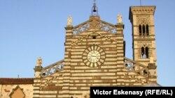 Catedrala din Prato în Toscana