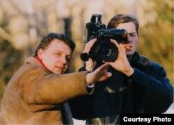 Павал Шарамет і зьніклы 7 ліпеня 2000 году Зьміцер Завадзкі, архіўнае фота