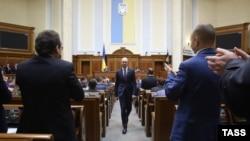 Арсений Яценюк в зале Верховной Рады, апрель 2016 года