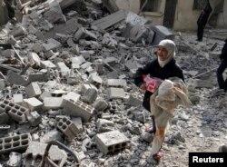 ۱۳۰ هزار قربانی و میلیونها آواره نتیجه جنگ داخلی سوریه است که وارد سومین سال خود میشود