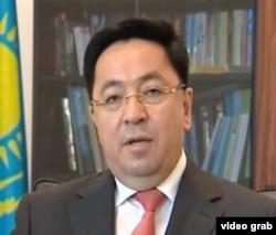Дін істері агенттігінің басшысы Қайрат Лама Шәріп. Астана, 7 шілде, 2011 жыл
