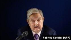 Джордж Сорос говори по време на Световния икономически форум в Давос