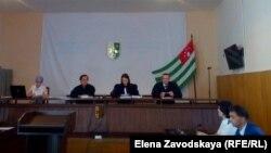 Этот судебный процесс претендует на рекорд по продолжительности в абхазском судопроизводстве: рассмотрение «дела Клемантовича» в суде началось в марте 2015 года
