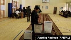 На избирательном участке в день выборов. Архивное фото.