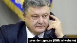 Петро Порошенко говорив з президентами Фінляндії та Словаччини про звільнення українських заручників та політв'язнів