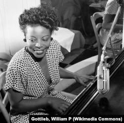 Мэри Лу Уильямс, 1946