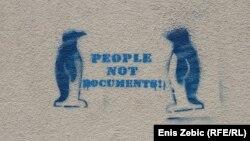 """""""Ljudi nisu dokumenti"""", jedan od grafita u Zagrebu"""