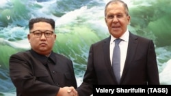 North Korean leader Kim Jong-un (left) and Russian Foreign Minister Sergei Lavrov meet in Pyongyang on May 31.